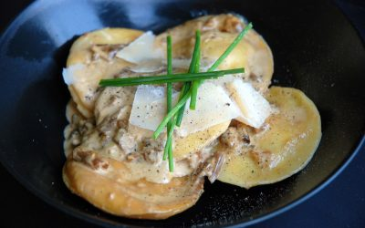 Raviole de Foie Gras Sauce aux Cèpes